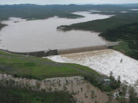 paradise dam wall